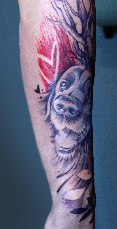Abstraktní tetování pes